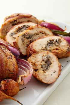 商品Bacon-Wrapped Stuffed Chicken Breasts图片