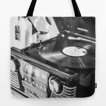 商品Record Player, Black and White, Vintage Vinyl Record Player  Tote Bag图片