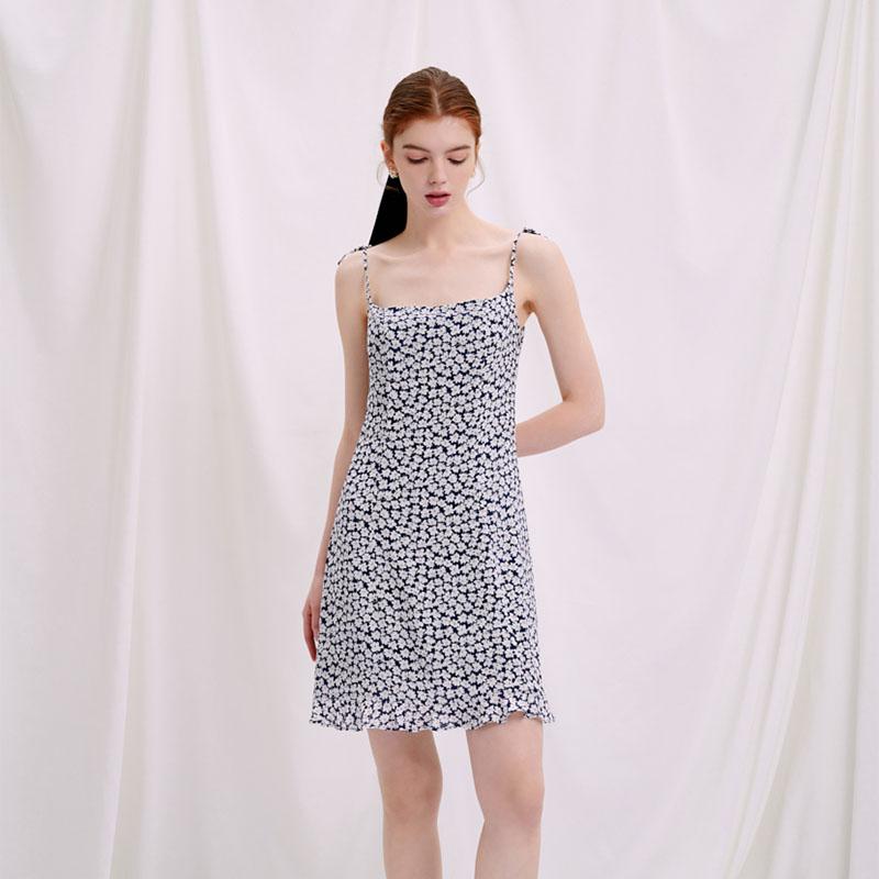 商品Sadie连衣裙 - 蓝色印花  | Sadie Dress - Blue Floral图片