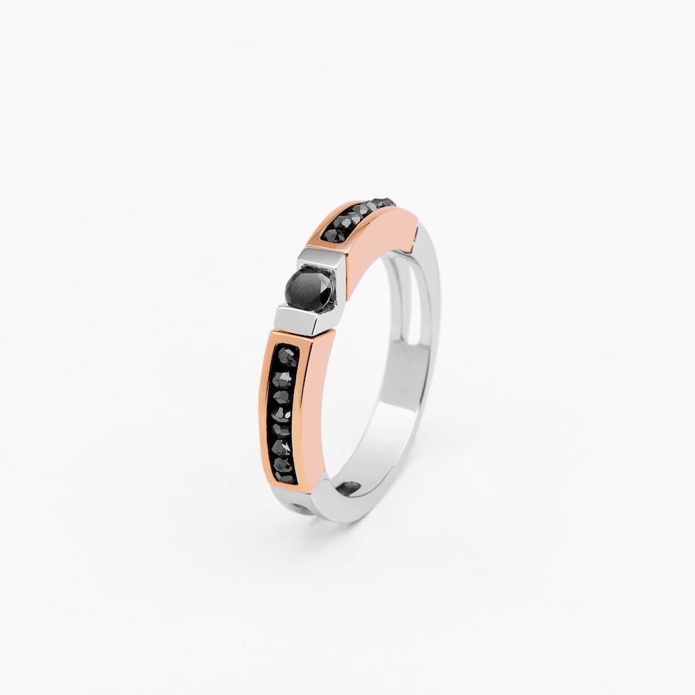 商品18k rose and white gold ring with black diamonds.图片
