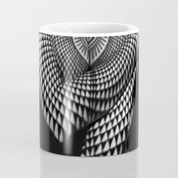 商品0622-JAL Heart Shape Pattern on Breasts and Nude Body Abstracted by Optical Patten Coffee Mug图片