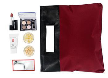商品Elizabeth Arden Mini Makeup Set In Bag Value $48图片