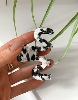商品ASOS DESIGN hair clip claw in mono resin图片